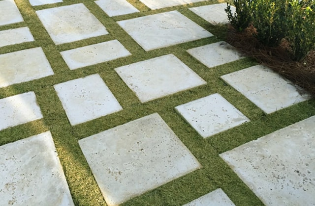 "Peacock Pavers' landscape pavers in ""Rice White"""